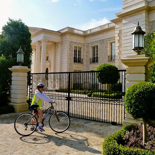 Celebrity Homes Bike Tour in Los Angeles