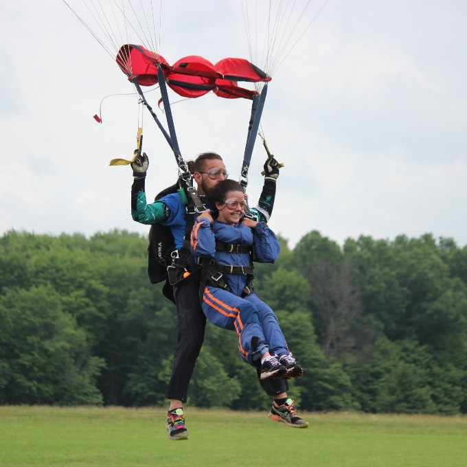 Tandem Skydiving in Alliance, OH