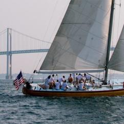 Sailing during Sip & Sail Cruise in Newport