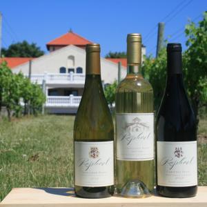 Visit Long Island's Wineries