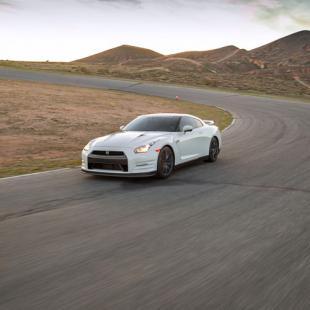 Race a Nissan GT-R near Nashville