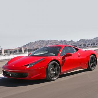 Race a Ferrari Italia