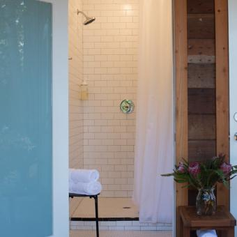 Luxury Bathroom at Glampground