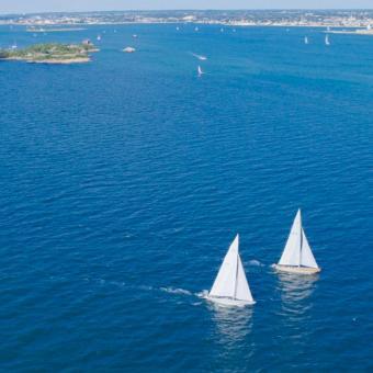 Flying during Air & Sea Tour near Boston