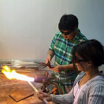 Romantic Glass Blowing Class in Philadelphia