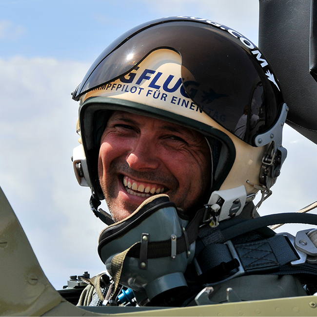 Become a Fighter Pilot for a Day in California
