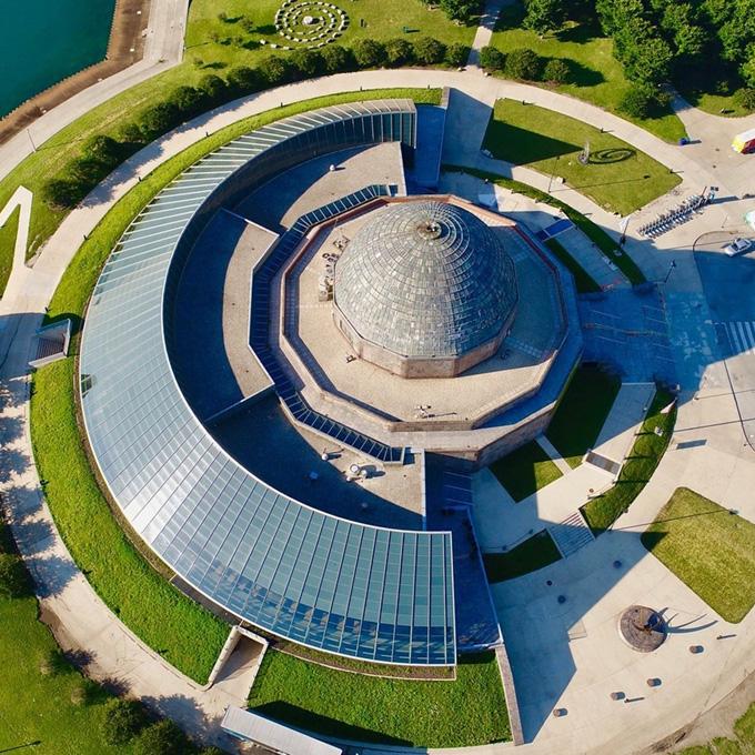 Tour Adler Planetarium