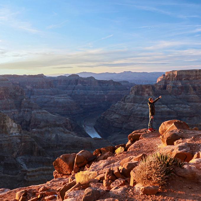 Vegas Strip Helicopter Tour to Grand Canyon