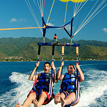 Parasail in Hawaii