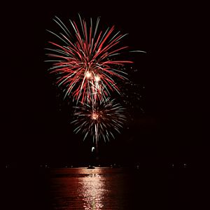 Fireworks Kayak Tour in Chicago