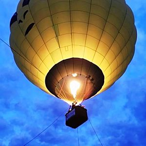 Romantic Balloon Flight