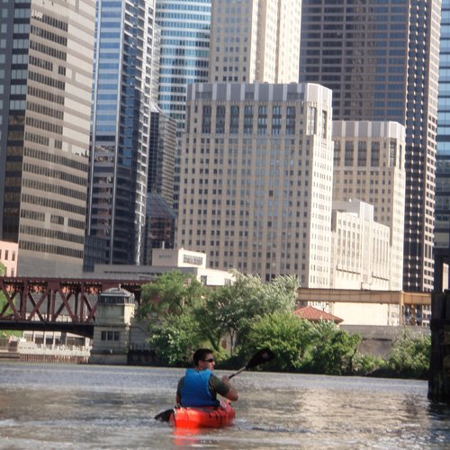Skyline in Downtown Chicago Kayak Tour