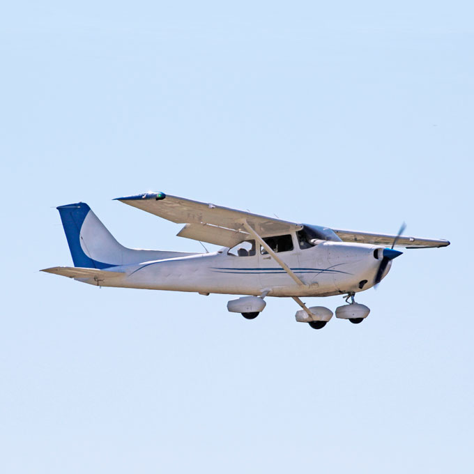 90-minute flight lesson in a Cessna 172