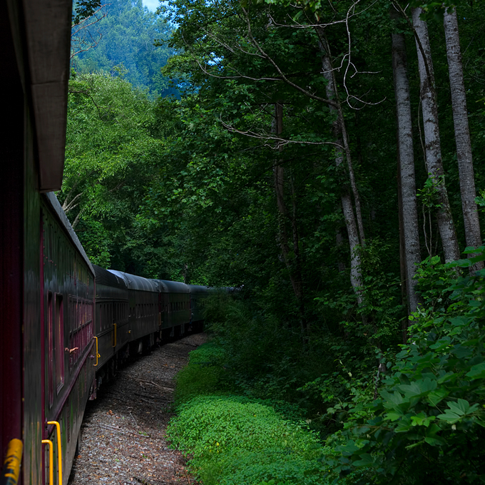 Great Smoky Mountains Train & Jeep Tour in NC