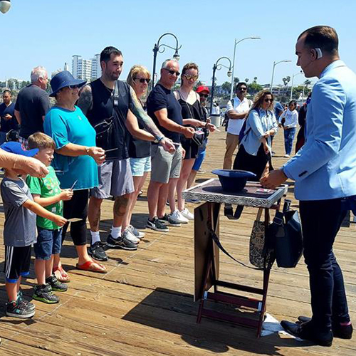 Santa Monica Pier Magician Los Angeles