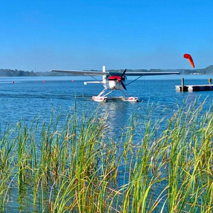 Sightseeing Tour in a Seaplane near Orlando, FL