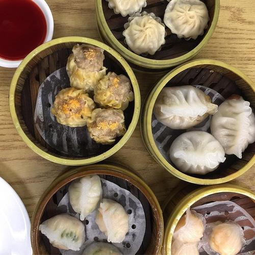 Walking Food Tour in Chinatown