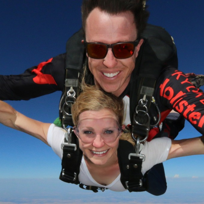 Tandem Skydiving Experience in California