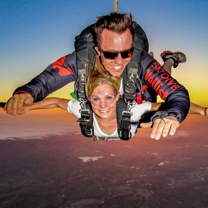 Free Fall Skydiving in CA